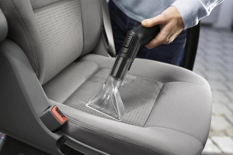 Как самому почистить сиденья в авто